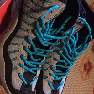 Grey - turbo green Nike Air Bakins
